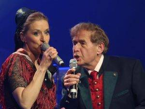 "Stefanie Hertel und Vater Eberhard Hertel / Albumpraesentation der neuen CD ""Mein Vogtland - Mei Haamet"" im Koenig Albert Theater in Bad Elster am 23.04.2016."